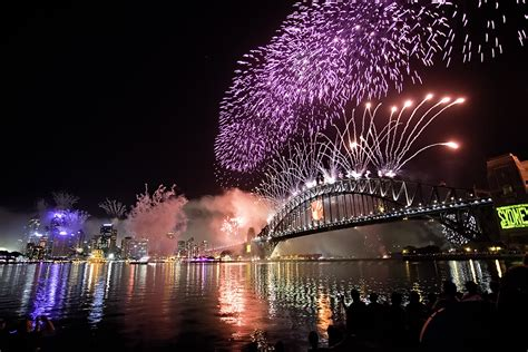 new year fireworks facts cool facts about sydney s new year s fireworks rockfish