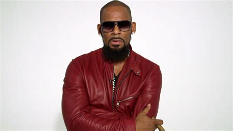 r kelly interviews magazine here s a timeline of all the strange shit r kelly sings