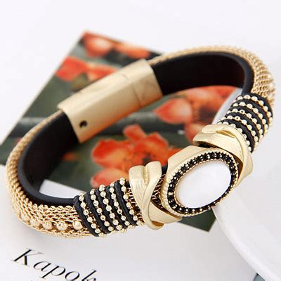 Bross Brooch Fashion Korea Oval Chain political black gemstone decorated oval shape design alloy