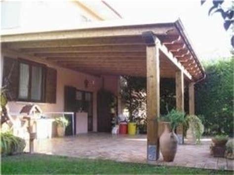 progettare una tettoia in legno tettoia in legno fai da te arredamento giardino