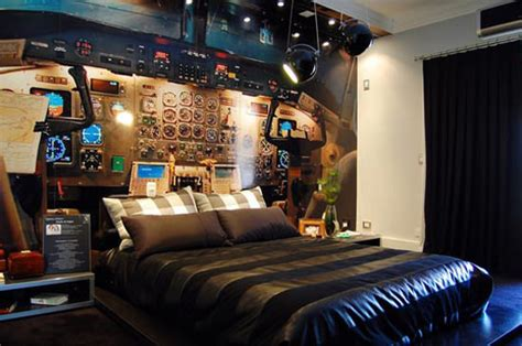25 fantasy bedrooms geeks would die for pixelpush design 25 fantasy bedrooms geeks would die for hongkiat