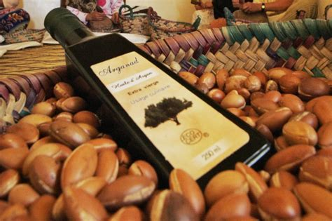 olio di argan per uso alimentare olio di argan come usarlo per combattere l acne e avere