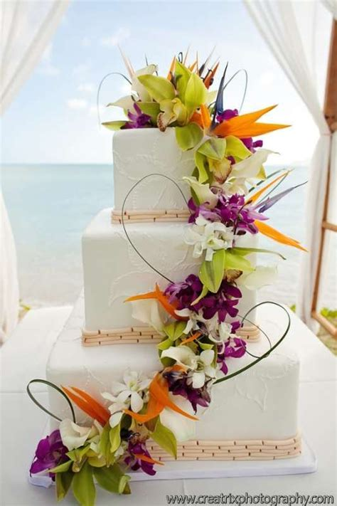 25 best ideas about hawaiian wedding cakes on pastel wedding cake icing pineapple