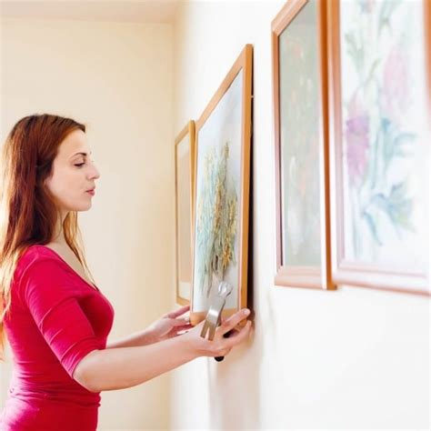 how to hang multiple pictures 4 easy tips for hanging multiple pictures franklin arts