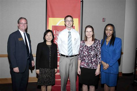 Umsl Mba Scholarships by Of Missouri St Louis College Of Business