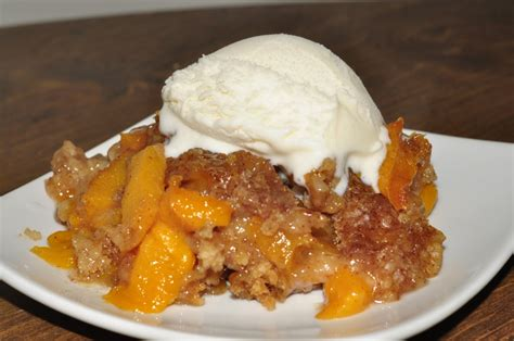 peach cobbler crock pot peach cobbler wishes and dishes