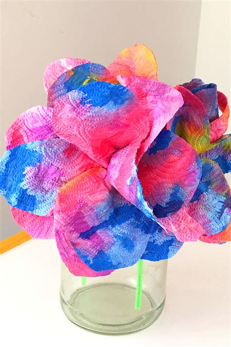 Paper Towel Craft Ideas - craft idea drip painted paper towel flowers