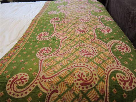 pembuatan cakram warna motif tekstil tradisional penghias rumah rooang com