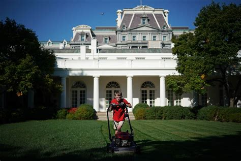 white house boys grassroots appeal kid mows white house lawn gets
