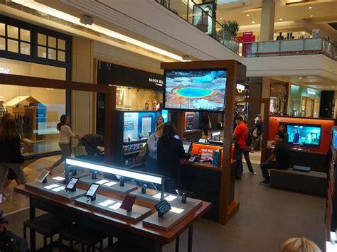 amazon retail store amazon plans big expansion of retail pop up stores