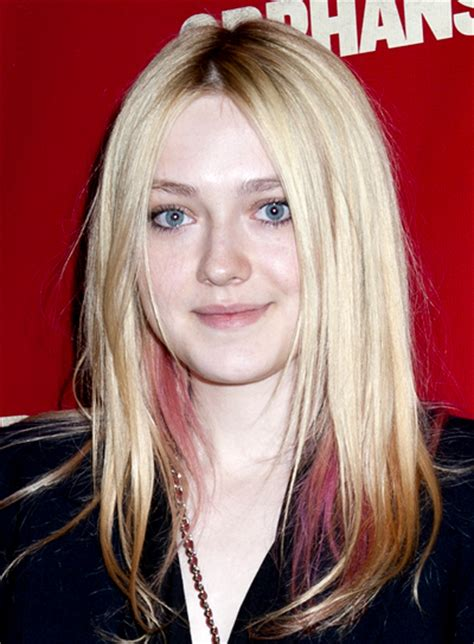 edgy blonde hairstyles file 5872 dakota fanning long edgy blonde straight