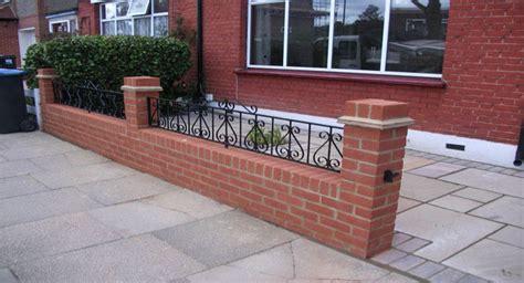 landscape gardener garden wall paving decking lawn