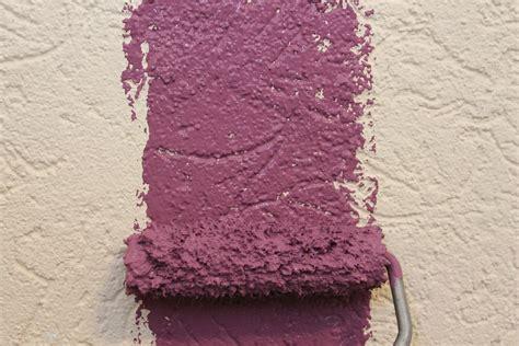 Kann Tapete Streichen by Eindrucksvolle Wandgestaltung Streichen Ver 228 Ndert Ein