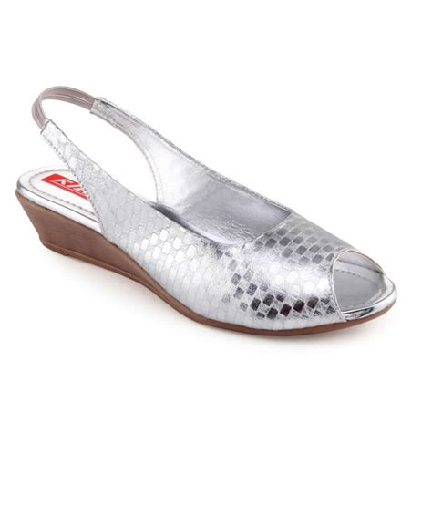 Kielz Comfortable Silver Sandals Buy Women S Sandals