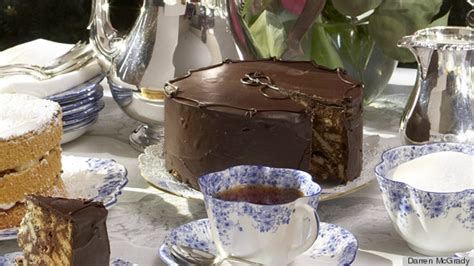 queen elizabeth chocolate biscuit cake 7 crazy reasons you should be intimidated to eat with