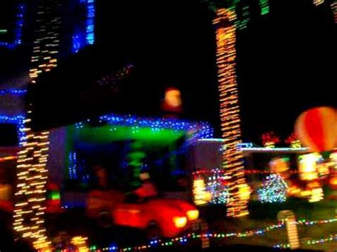 daytona speedway christmas lights speedway gives preview of holiday lights festival doovi