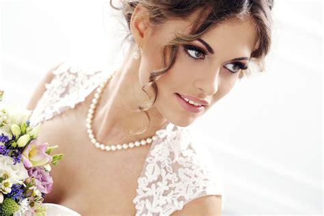 Wedding Hair And Makeup Orange Al by Choosing A Bridal Necklace Articles Easy Weddings