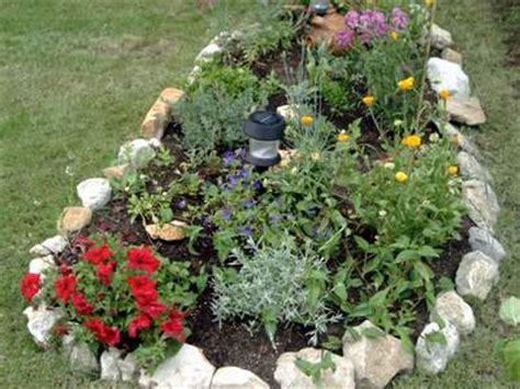 decoracion de jardines con piedras y cañas jardines pequeos con piedras y troncos top rocalla con