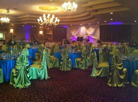 peacock wedding reception decorating ideas     Wedding
