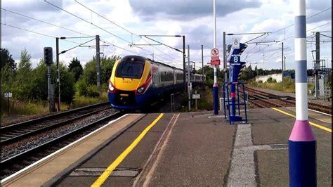 hendon thameslink trains at hendon railway station london 30 7 2012 youtube