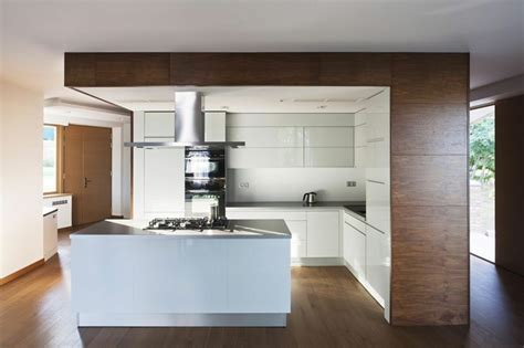 Dark Stained Kitchen Cabinets by Blanco Y Madera Cincuenta Ideas Para Decorar Tu Cocina
