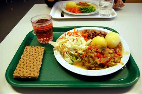 file school lunch jpg wikipedia