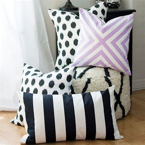 the easiest way to make custom pillow covers without