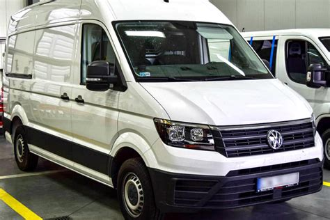 nowy volkswagen crafter furgon z zabudową cfm