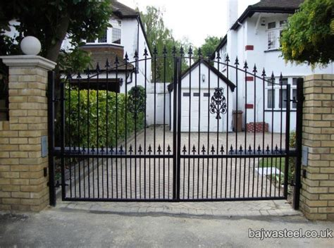 swinging driveway gate swinging gates for driveways 28 images automatic gate