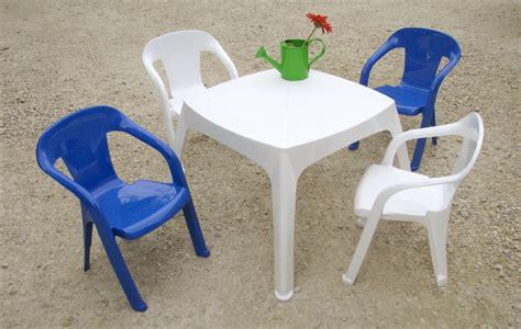 chaise jardin enfant salon moghli avec 1 table et 4 chaises baghera 2 chaises