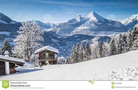 Alpen Chalet österreich by Idyllische Winterlandschaft In Den Alpen Mit Bergh 252 Tte