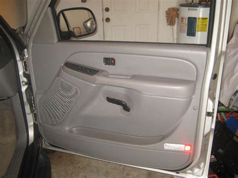 hayes car manuals 2006 chevrolet suburban interior lighting removing inner door panel on a 2000 chevrolet suburban 2500 how to install replace front