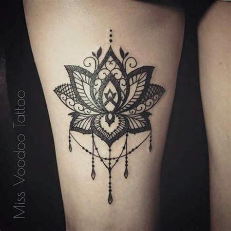 tattoo cuisse tattoo pinterest dentelle fleurs en