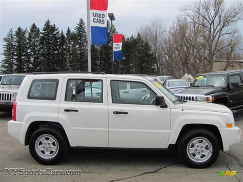 white jeep patriot 2008 2008 jeep patriot sport in stone white clearcoat photo 5
