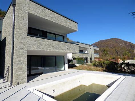 terrazzo con piscina lago di como menaggio villa moderna con piscina