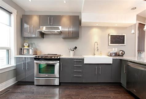 White Cabinet Grey Countertop by Grey Kitchen Cabinets With White Countertops Home Design