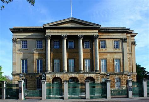apsley house why does apsley house have the address number 1 london