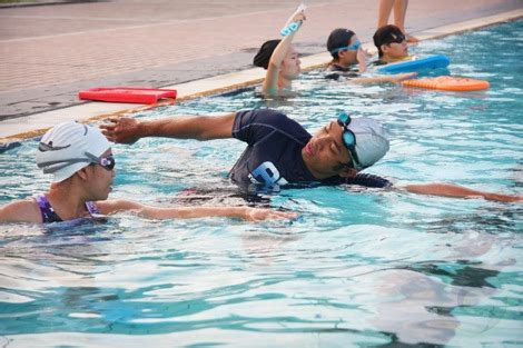 Swimming Lessons The House 1on3 learn to swim by coach shauqie in