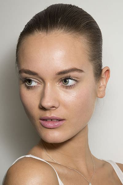 new beauty trends fashionable makeup looks refinery29 the 10 most covetable beauty looks from new york fashion