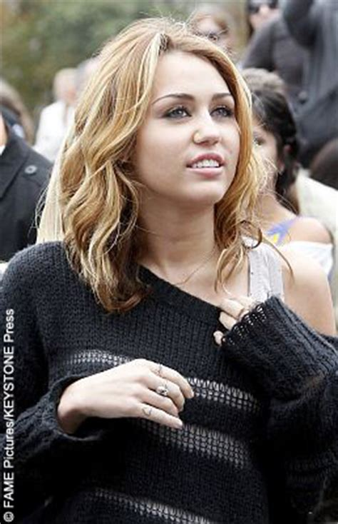 how to do miley cyruss hair in lol miley cyrus new film expected to bomb 171 celebrity gossip