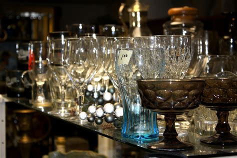 barware store glassware on display at thrift shop picture free