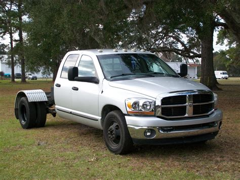 dodge trucks for sale 2006 dodge ram 3500 crew cab 5 9 diesel tow for sale