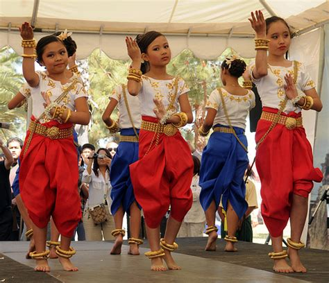 cambodian new year s celebration at el dorado park