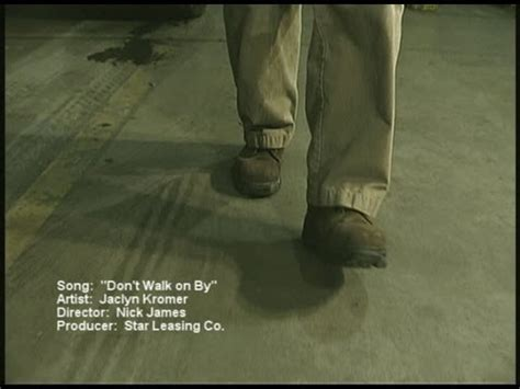 dont walk   safety  video youtube