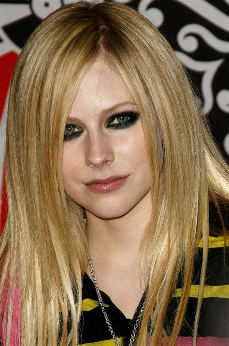 Of Hairstyles by What Are The Avril Lavigne Hairstyles Hairstyles4