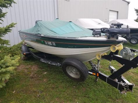 crestliner boats wisconsin crestliner fish hawk 1850 sc boats for sale in wisconsin