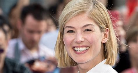 gone movie rosamund pike cast as ben affleck s