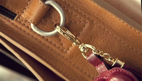 Vaja Caddie Collection Cases Include A Leather Bag To Carry Your Gadgets In by Liz Key Ring Premium Leather Key Ring
