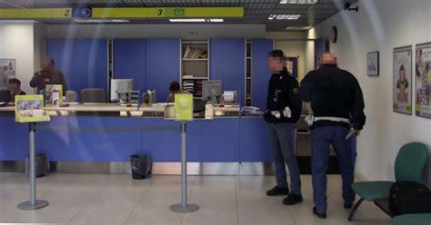 ufficio postale pero abruzzo rapina in taxi all ufficio postale di bagno
