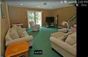 what color carpet goes with green walls what wall color goes with dark green carpet carpet
